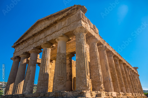 Obraz na plátně  The Temple of Concordia, Valley of the Temples, Agrigento , Sicily, Italy