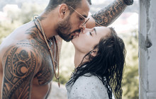 Passion Love Couple. Romantic Moment. Handsome Muscular Guy And Amazing Sexy Woman. Cosmopolitan Couple. Love And Flirt. Muscular Man And Fit Slim Young Female Kissing. Couple Goals.