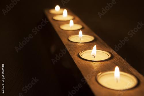 Fotografia, Obraz  bougies de prières