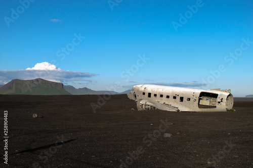 Photo  Wreckage of crashed airplane in 1973 Douglas R4D Dakota DC-3 C 117 of the US Nav