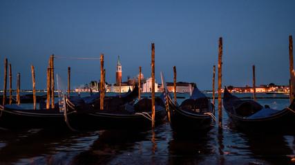 gondole na kanale Grande w Wenecji