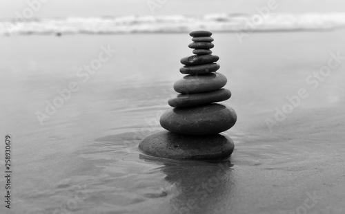 Acrylic Prints Stones in Sand torre de piedras en la playa
