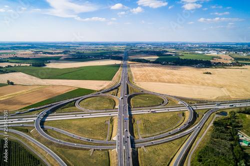 Photo austostrada- węzeł drogowy ujęcie z drona