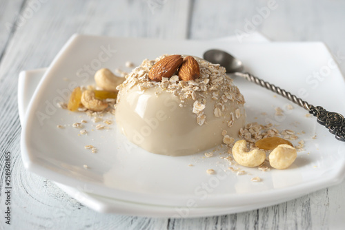 Fototapeta Organic oat dessert with vanilla obraz