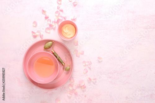 Fotografía  Jade roller spa treatment concept