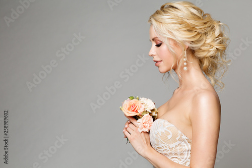 Stampa su Tela Fashion Models Profile Portrait with Flowers Bouquet, Beautiful Woman Bride Make