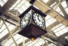 Meeting Point Of Glasgow Central Station Vintage Clock