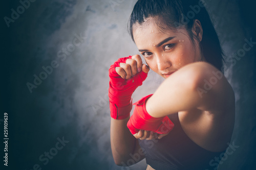 Fotografering Beautiful young Asian boxers
