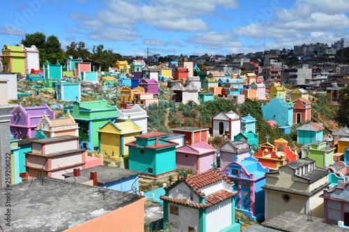 Fotografia, Obraz  Cimetière Coloré Chichicastenango Guatemala