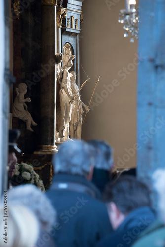 Fotografie, Obraz  gläubige der katholischen kirche