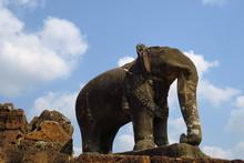Elephant De Pierre