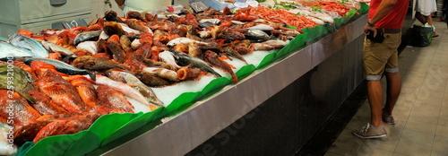 Fotobehang Schaaldieren fischmarkt auf palma de mallorca