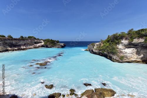 Fotografía  Blue Lagoon of Nusa Ceningan Island, Nusa Lembongan, Bali, Indonesia