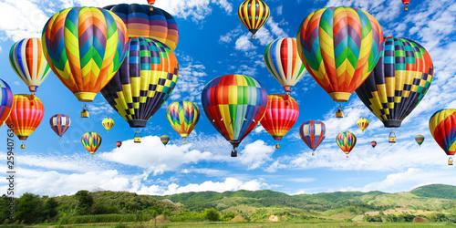 Photo sur Aluminium Montgolfière / Dirigeable Balloons