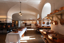 Antique Kitchen For Profession...