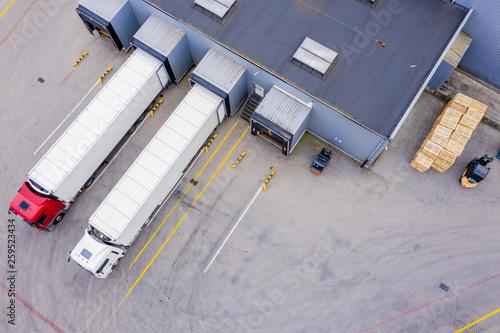 Carta da parati Aerial Shot of Industrial Warehouse/ Storage Building/ Loading