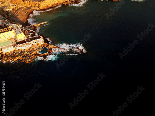 Foto op Aluminium Scandinavië Teneriffa aus der Luft - Strand, Landschaften und Küsten aus der Luft mit DJI Mavic 2 Pro Drohne