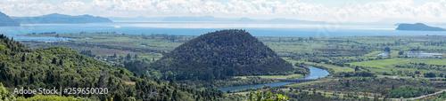 Foto auf AluDibond Blau Panoramic View of Mount Maunganamu Hill and Lake Taupo in New Zealand