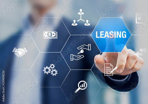Fotografía  Leasing business concept with icons about contract agreement between lessee and