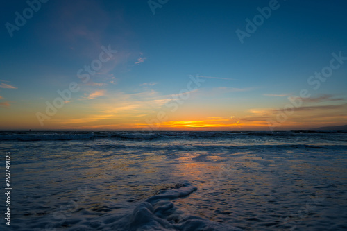 Foto  Scenic view of Venice Beach at sunset, California