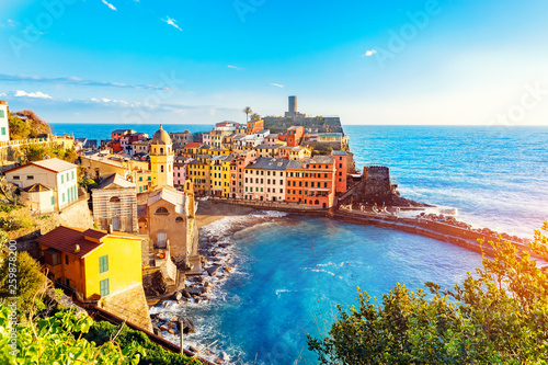Fotobehang Liguria Vernazza, national park Cinque Terre, liguria Italy Europe. Colorful villages