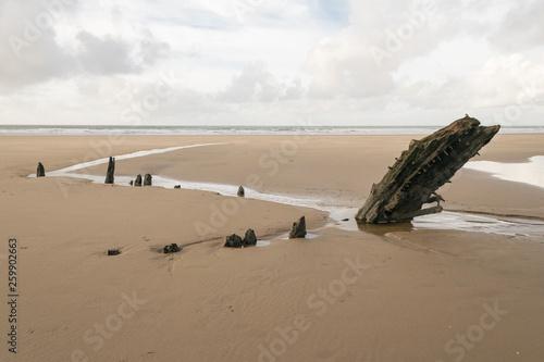 Fotografie, Obraz  Relitto dell'Helvetia, Rhossili (Galles, UK)