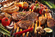 Delicious Grilled Meat With Ve...