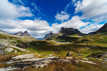 letni krajobraz górski Norwegii