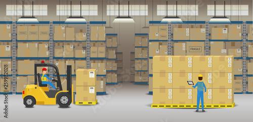 Obraz Workers in warehouse - fototapety do salonu