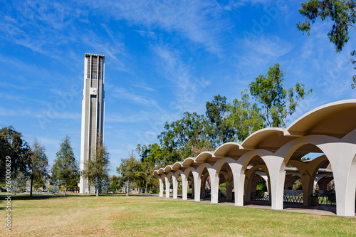 Canvastavla Afternoon sunny view of the Bell Tower of UC Riverside
