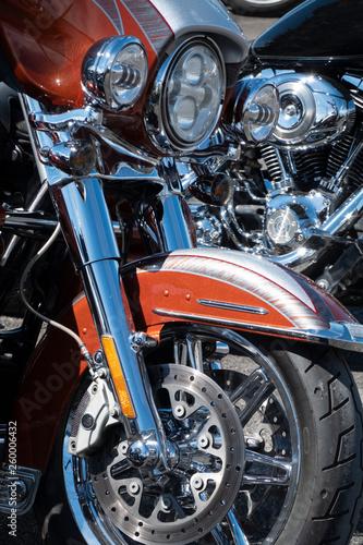 Fotomural detalles brillantes de motos como faros , depósito de gasolina