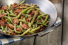 Healthy Sauteed Green Beans With Bacon, Onion, And Bread Crumbs