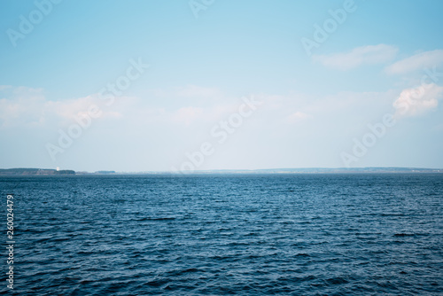 Fotografía  Beautiful deep blue sea, calm sea harmony of the water surface