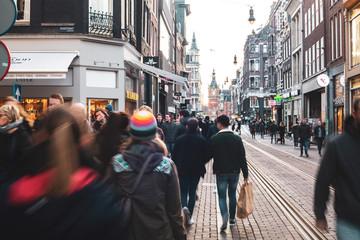 ljudi u centru grada Amsterdama