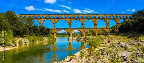 Fototapeta famous bridge in france, pont du gard