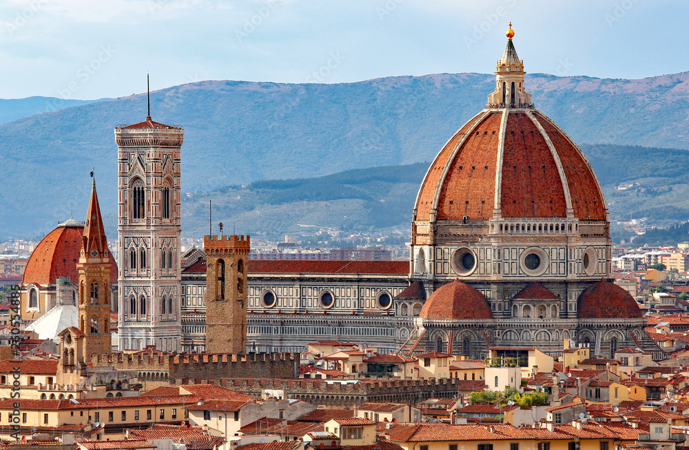 Fototapety, obrazy: FLORENCE in Italy with the great dome of the Cathedral