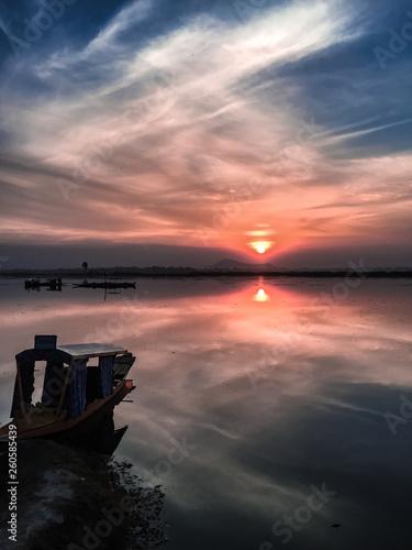 Fotobehang Pier A Kashmiri dusk