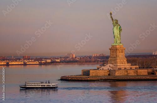 Fotografie, Obraz  Statue of Liberty Ferry