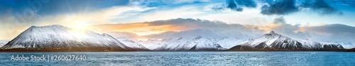 Fototapeta Icelandic winter panorama in Vesturland region with Lambahnukur, Gunnulfsfell, Snjogilskula, Kolgrafamuli mountain peaks behing Kolgrafafjordur fjord obraz