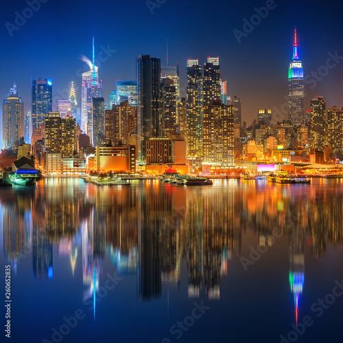 Zobacz na Manhattanie w nocy, Nowy Jork, USA