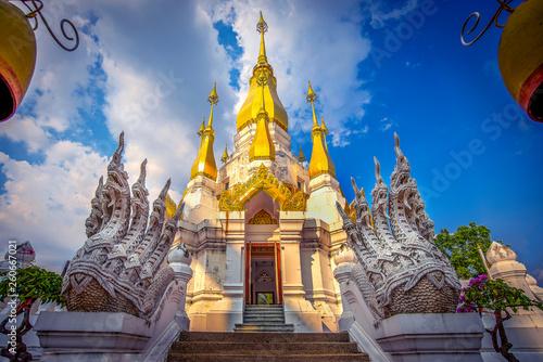 Thai temple, Wat Tum Kuha sawan