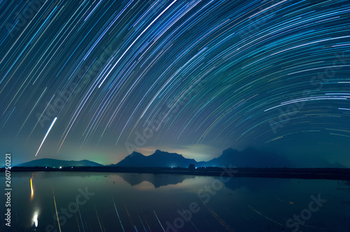 Foto auf Leinwand Blaue Nacht Star Trails Khao Sam Roi Yot National Park