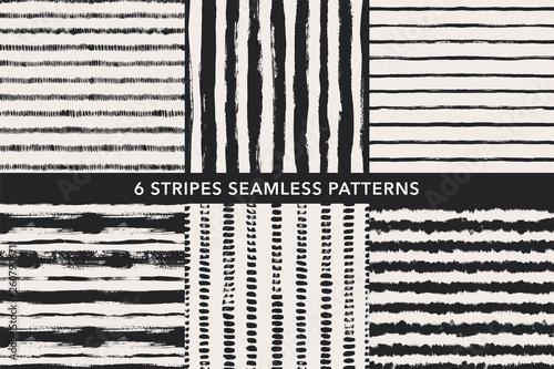 Türaufkleber Künstlich Grunge stripes hand drawn seamless patterns set. Vector ornaments for wrapping paper.