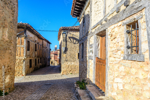 Photo medieval village of calatañazor at soria province, Spain