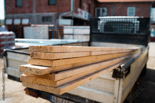 Carta da parati Building material planks in the truck ready to delivery to the construction site