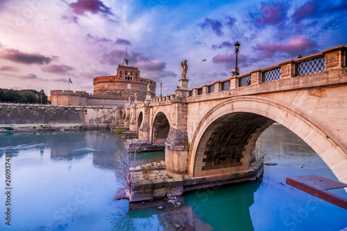 Spoed Foto op Canvas Oude gebouw Castel Sant'Angelo, medieval castle along the Tiber River in Rome, Italy