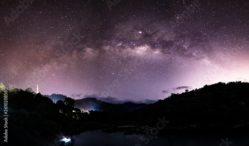 Spoed Fotobehang Nacht Milky Way over a mountain