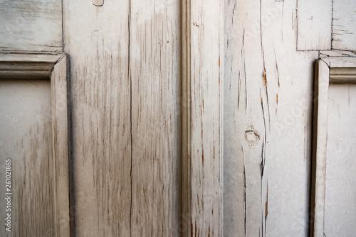 Fotografiet  Surface of a vintage wooden door