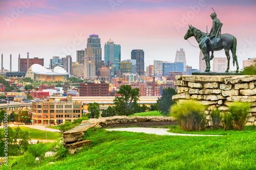 Kansas City, Missouri, USA downtown skyline
