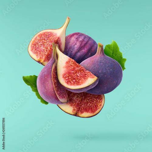 Fotografia Fresh juice ripe fig